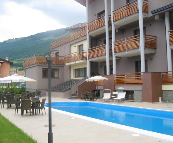 Hotel in montagna con piscina a castel di sanggro in abruzzo hotel natura - Hotel con piscina montagna ...